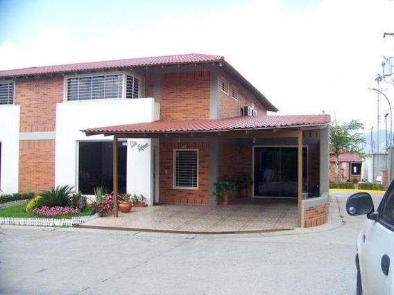 Vm 19-11253 Casa En Venta, El Castillejo, Guatire