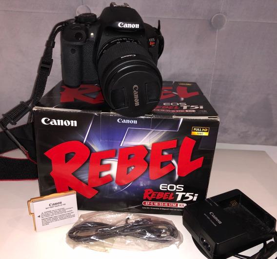 Canon T5i + Lente 18-55mm + 2 Baterias + Case + Micro Extern