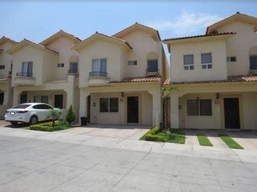 Casa En Renta Alamitos, Alta California