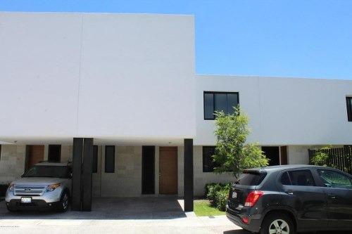 Casa En Renta En El Refugio, Queretaro, Rah-mx-19-1663