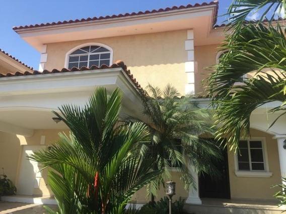 Se Alquila Casa En Costa Del Este Cl188622