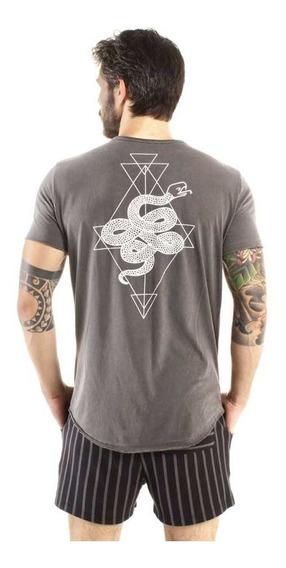 Camiseta Longline Curve Snake Chumbo