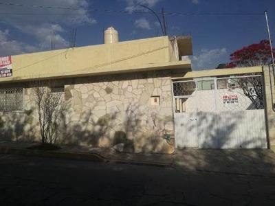 Casa Sola En Venta Venustiano Carranza, Excelente Ubicación, 2 Niveles
