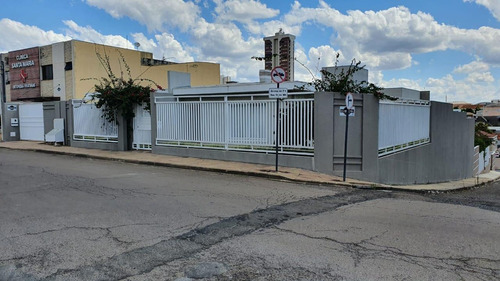 Casa Para Venda Em Guarapuava, Centro, 3 Dormitórios, 1 Suíte, 6 Vagas - _2-1118636