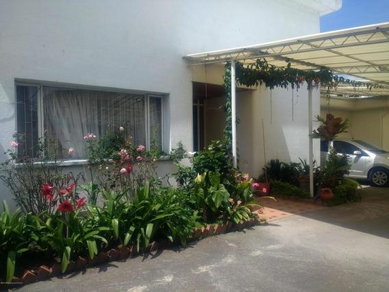 Casa En Arriendo San Jose De Bavaria Mls Lr:19-279