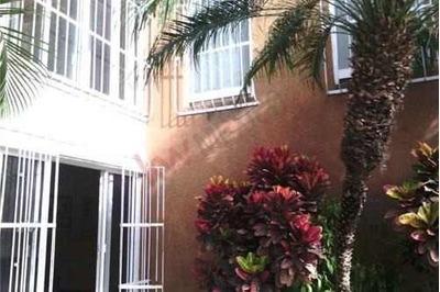 Casa Sola Comercial, Buena Ubicación, Esquina, Ideal Para Oficinas, Consultorios, Chapultepec, Cuernavaca, Morelos, Clave: 2204gs