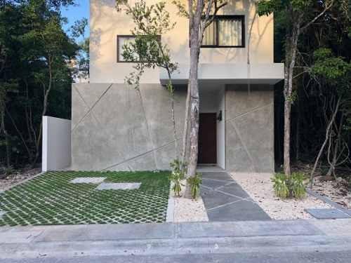 Se Vende Hermosa Casa Estilo Minimalista En Puerto Morelos