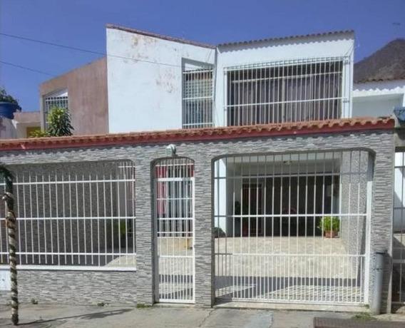 Casas En Venta La Esmeralda San Diego Carabobo 20-1792 Prr