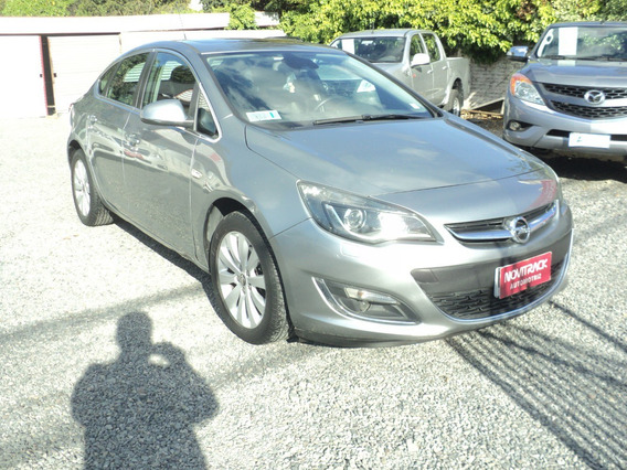 Opel Astra Cosmo 1.6 A/t Año 2014