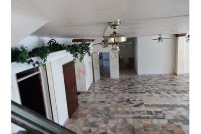 Renta De Local En El Centro De Guadalupe, Excelente Ubicación