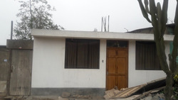Casa Con Sala Comedor Dormitorio Y Baño