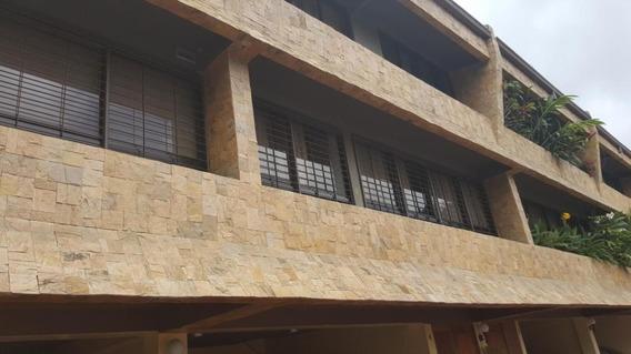Jg 19-11525 Townhouse En Venta Las Esmeraldas