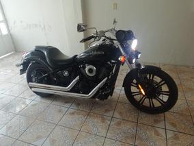 Motocicleta Kawasaki Vulcan Custom 900cc
