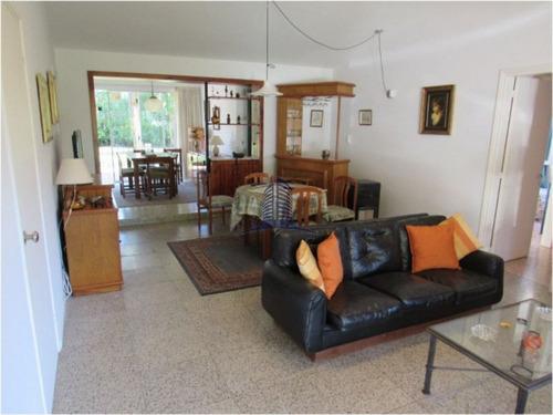 Casa En Venta,mansa,3 Dormitorios Y Dependencia De Servicio - Ref: 737