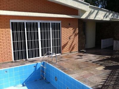 Excelente Localização - Casa Residencial Com Piscina , Terraço E Churrasqueira - 169-im211086