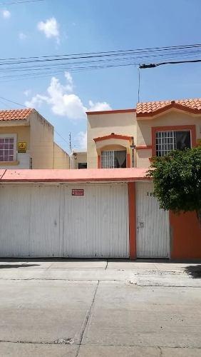 Vendo Casa En Gran Hacienda, 4 Recámaras, 2 Baños Y Medio