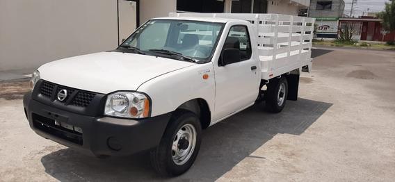Nissan Np300 Estacas