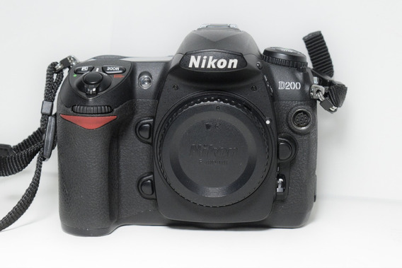 Câmera Digital Profissional Dslr Nikon D200 Corpo Nta 9+