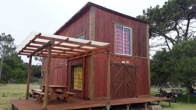 Casa Grande 2 Dormitorios Posee Alarma