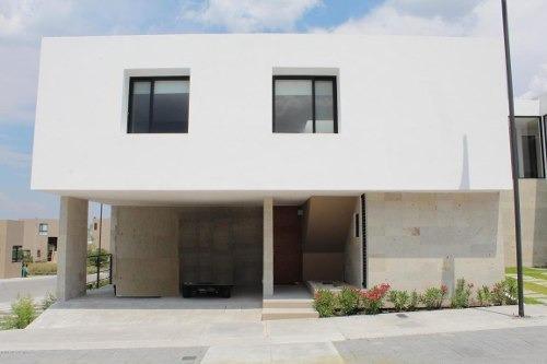Casa En Venta En Altos De Juriquilla, Queretaro, Rah-mx-20-30