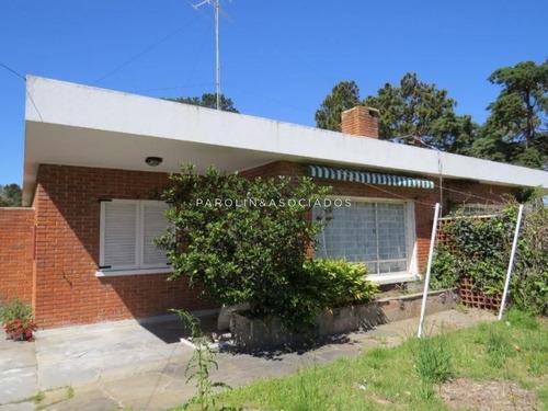 Casa En Venta De 2 Dormitorios En Solanas Punta Ballena- Ref: 4350