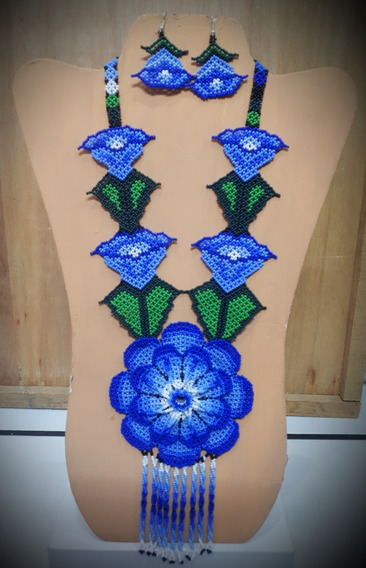 Collar Azul Con Flor Grande/artesanía Huichol