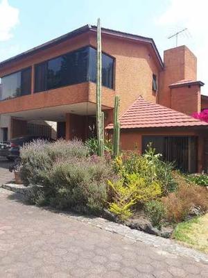 Tepepan, Hermosa Casa En Condominio Horizontal Con Jardín Privado, En Venta