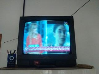 Televisor 20 + Mesa Tv