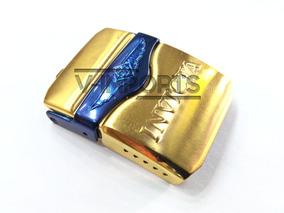 Fecho Dourado Com Azul Do Relógio Invicta Em Aço Inoxidavel