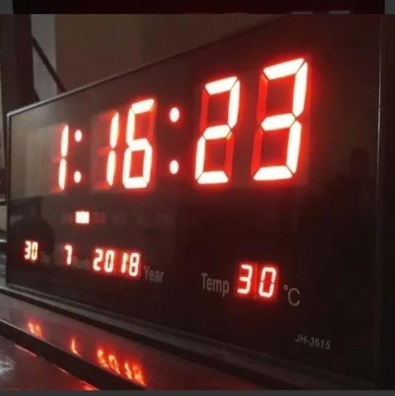 Relógio De Parede Led Digital Tamanho Grande
