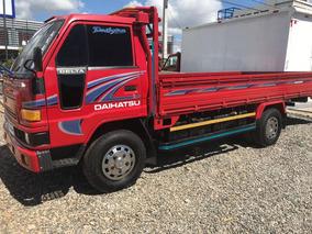 Camión Daihatsu Cama Larga