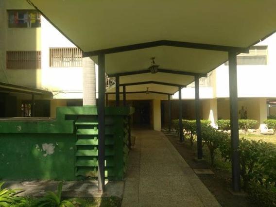 Apartamento En Alquiler Barquisimeto Del Este, Al 20-3040