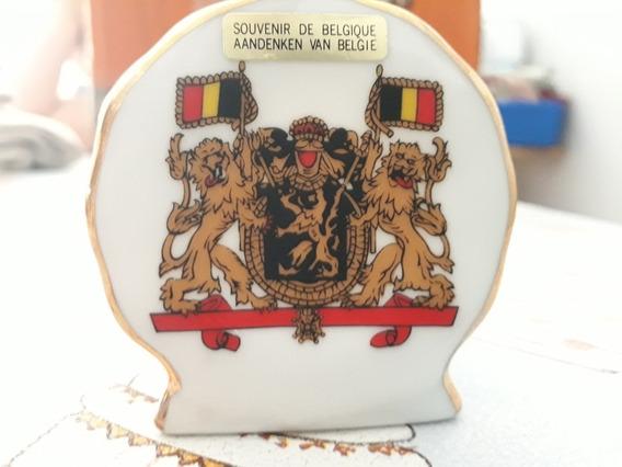 Pieza De Cerámica Decorativa De Bélgica