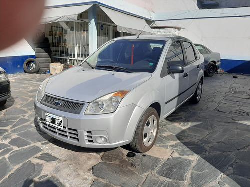 Ford Fiesta Max Ambiente Plus Mp3 2008 Unica Mano Pocos Kms