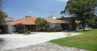 Casa Sola En Villa Sat?lite La Calera, Eucaliptos
