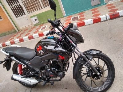 Moto Honda Negra Cb 125 F