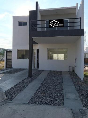 Se Vende Preciosa Casa En Villas El Roble, 4ta Recamara En Pb, Privada, Alberca.