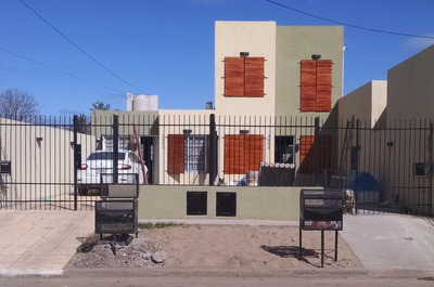 Casa De 2 Ambientes, Opcional 3 Ambientes Vendo O Permuto