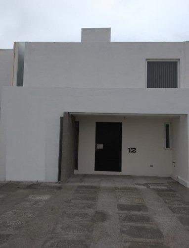 Cómoda Y Bonita Casa En Venta Misión San Joaquín