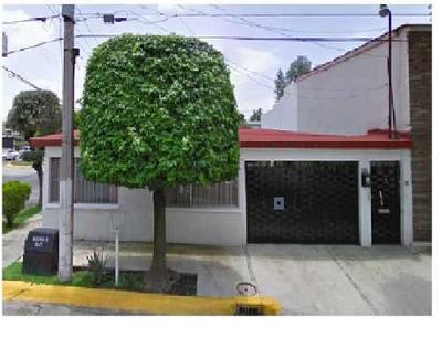 Casa En Venta. Oportunidad. Bosques De Echegaray. Cod.p105