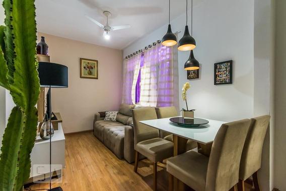 Apartamento No 2º Andar Com 2 Dormitórios E 1 Garagem - Id: 892947070 - 247070