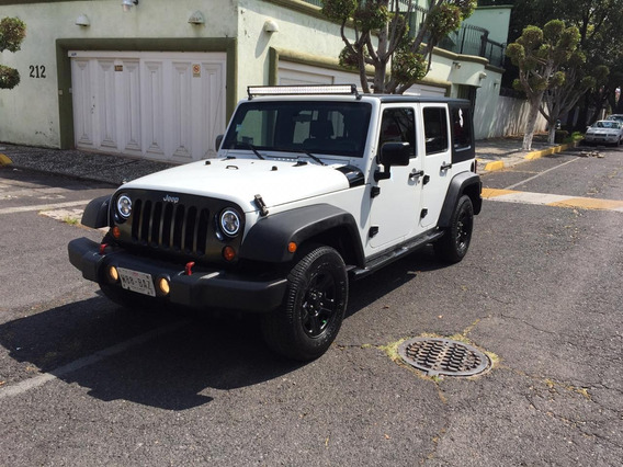 Jeep Wrangler X Unlimited 4x2 2010 !!