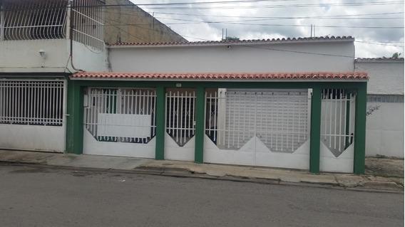 Casa Con Potencial Comercial La Coromoto Maracay 20-12698 Mc