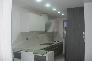 Apartamento En Venta La Trigaleña-valencia Cod 20-2015 Ddr
