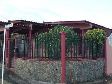 Casa Venta/alquiler De 4 Recamaras/estudio Brisas Del Golf