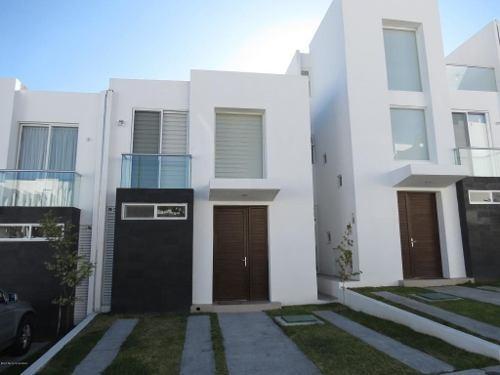 Casa En Venta En Zibata, El Marques, Rah-mx-19-2181
