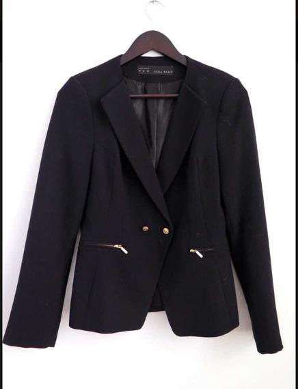 Saco Blazer Negro Zara. Entallado. Talle M