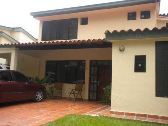 Townhouse En Venta Manongo Mz 17-7248