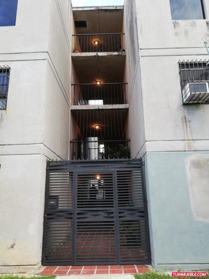 Apartamento En Paraparal Urbanizacion Buenaventura. (gua-228