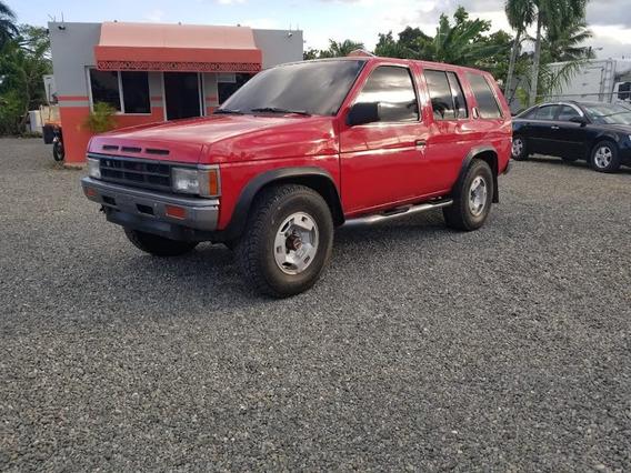 Nissan Pathfinder 4x4 Roja 1990